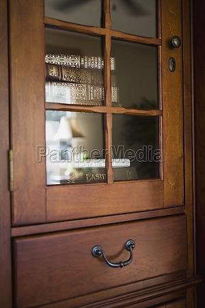 detalle de la cabina de madera