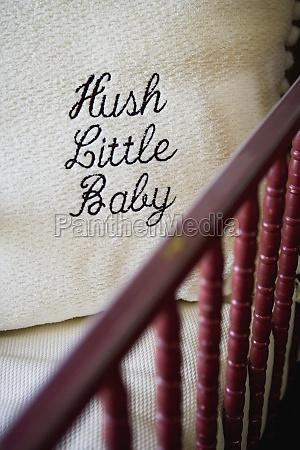 hush little cojin del bebe en