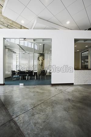 vista interior de un edificio de