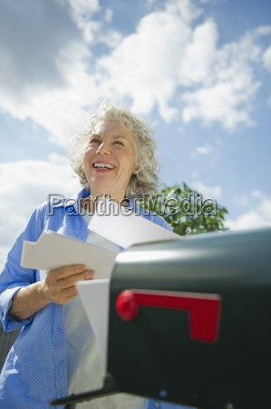woman laugh laughs laughing twit giggle