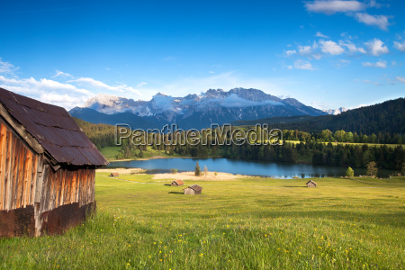 wooden hut on the geroldsee with