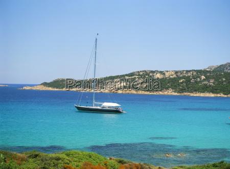 yacht in golfo pero costa smeralda