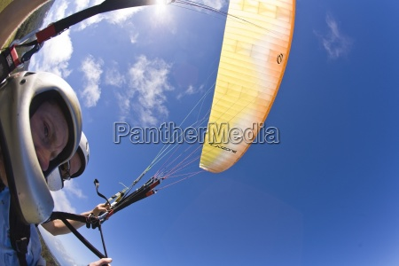 tandem paragliders fishe eye lens view