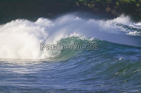 pacific storm waves north shore of